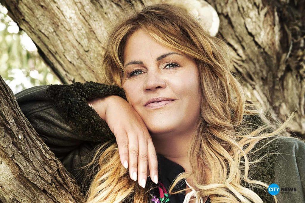 Entertainerin Ilka Bessin macht Mode für starke Frauen | City-News.de
