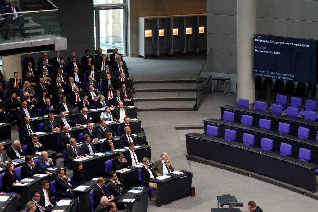 , Jeder siebte AfD-Bundestagsabgeordnete ist Polizist oder Soldat, City-News.de
