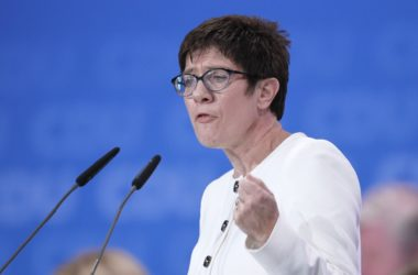 """, Kretschmer nennt DDR-Unrechtsstaatsdebatte """"absurde Diskussion"""", City-News.de"""