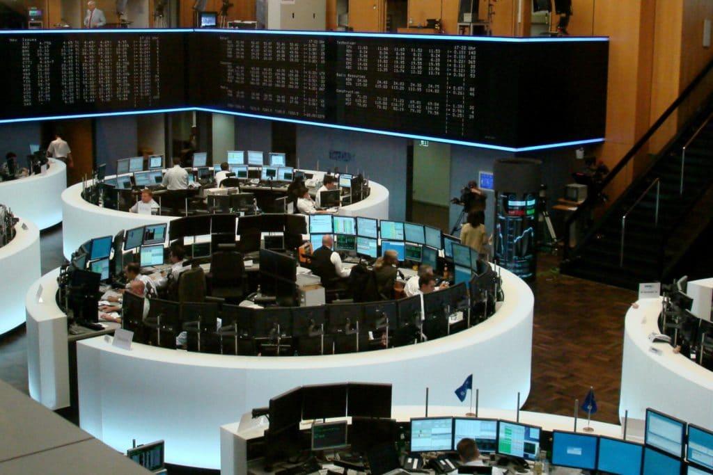 , DAX am Mittag stark im Minus – Lockdown-Pläne schockieren Anleger, City-News.de