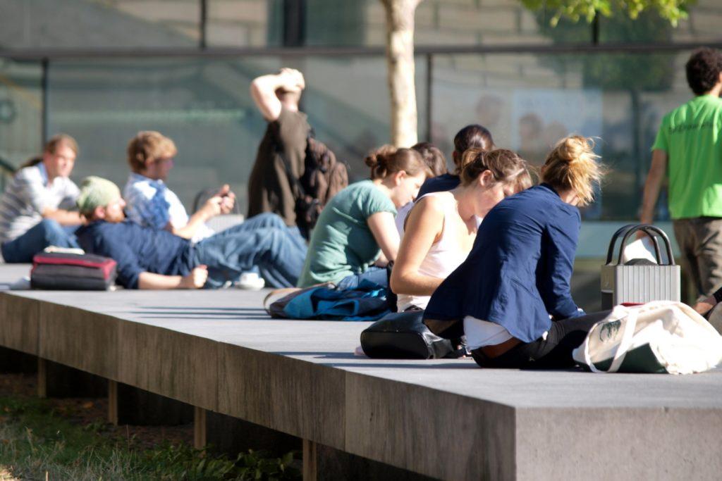 , 40 Prozent der Studenten haben durch Corona Job verloren, City-News.de, City-News.de