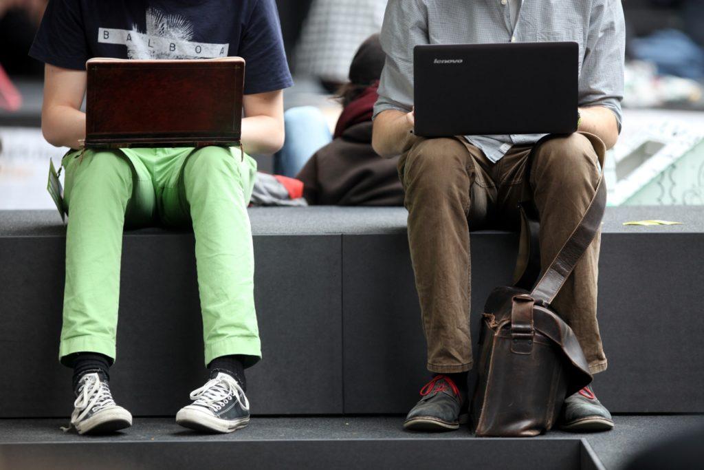 , Umfrage: Mehrheit schränkt Internetnutzung aus Sicherheitsgründen ein, City-News.de