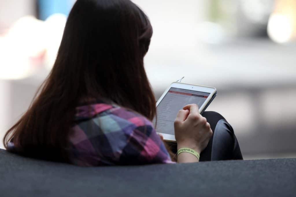 , Immer mehr Deutsche kaufen E-Books, City-News.de