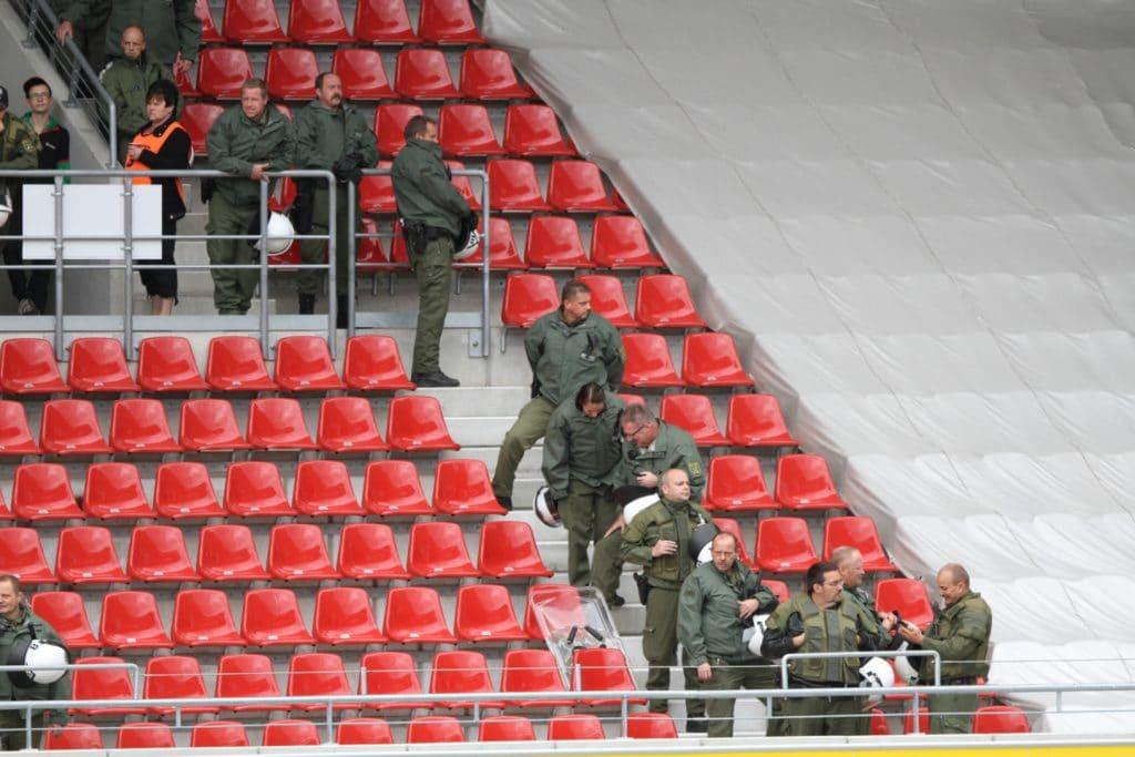 , Virologe Schmidt-Chanasit hält Fans in Fußballstadien für möglich, City-News.de