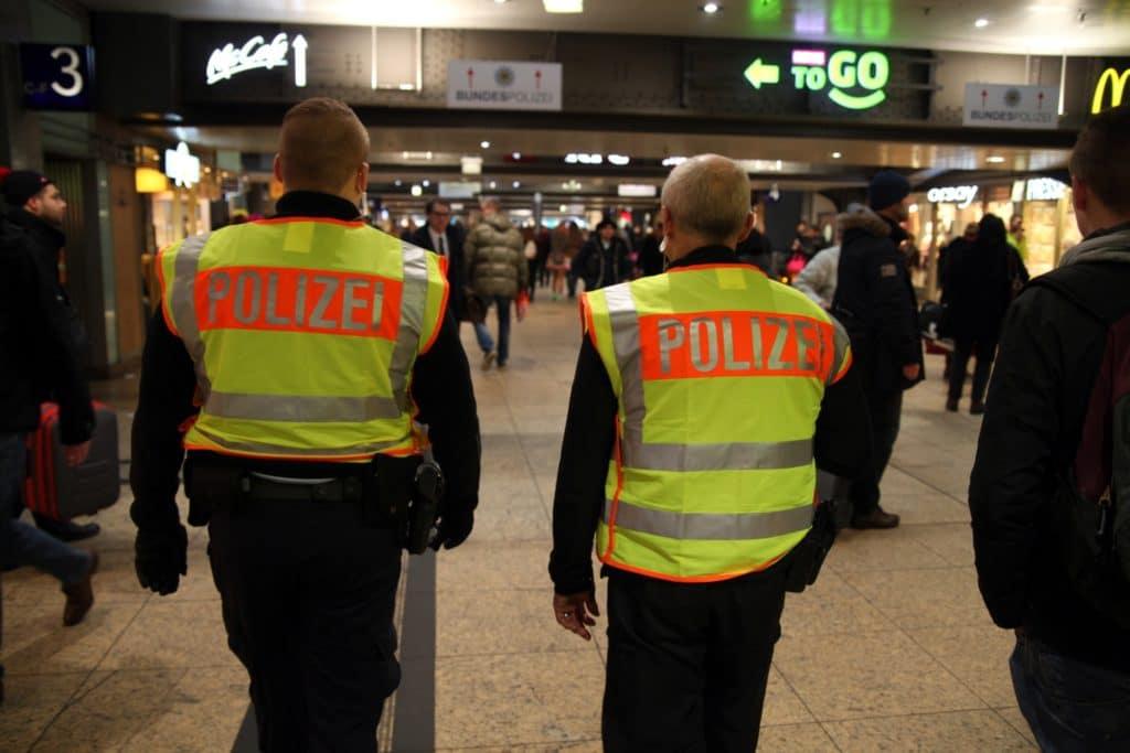 , FDP und Polizeigewerkschaft fordern mehr Polizei an Bahnhöfen, City-News.de, City-News.de