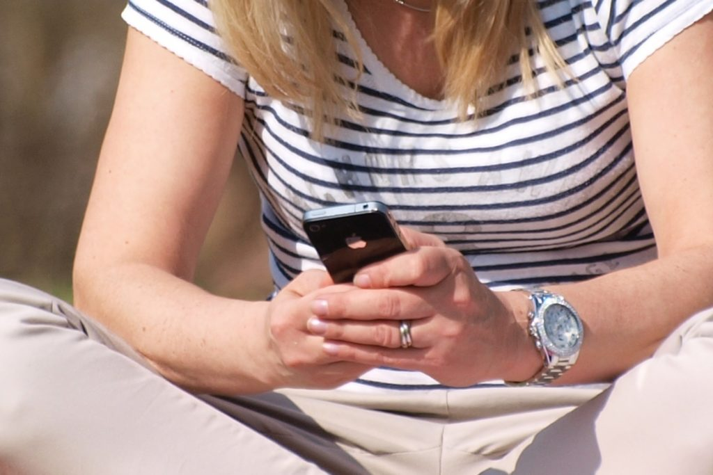 , Grüne: Kinder von Hartz-IV-Empfängern brauchen Smartphones, City-News.de