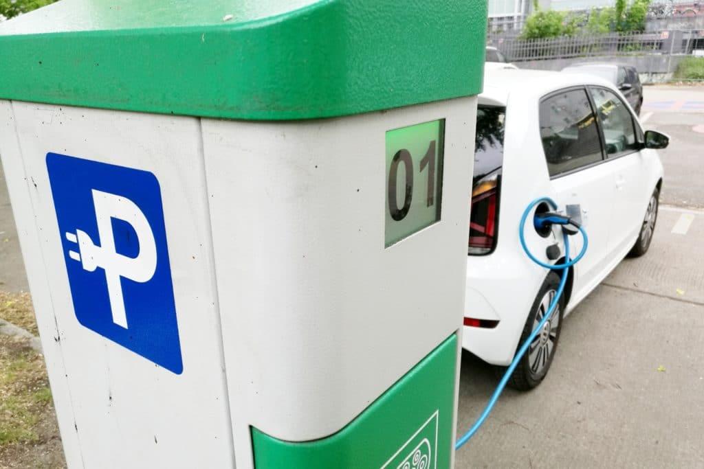 , Automobilverband verlangt Klarheit bei E-Auto-Förderung, City-News.de