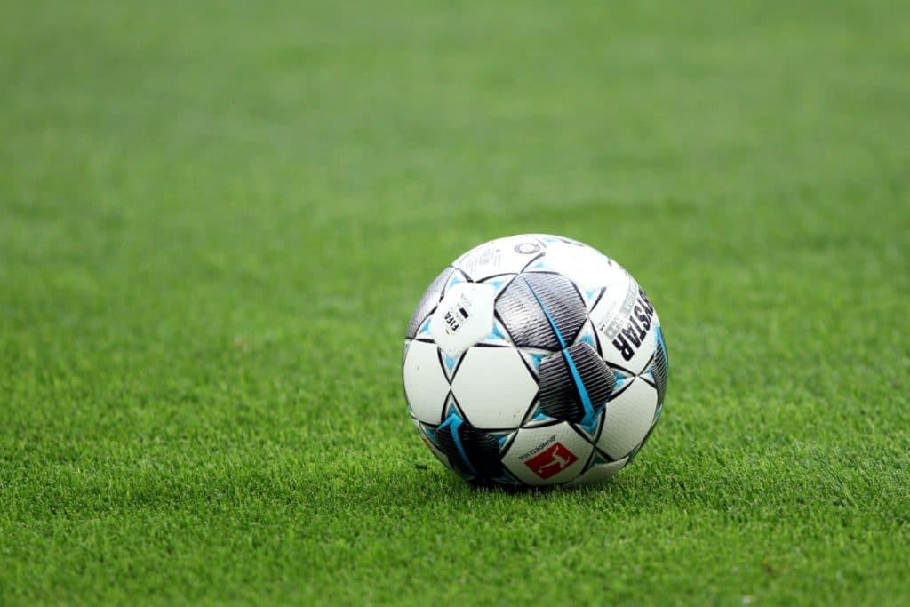 , Lauterbach und Bosbach gegen massenhafte Tests vor Fußballspielen, City-News.de