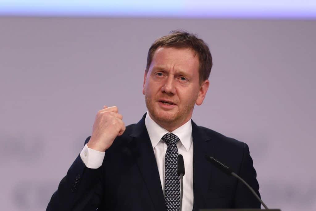 , Sachsens Ministerpräsident wirbt für feste Corona-Regeln bis März, City-News.de