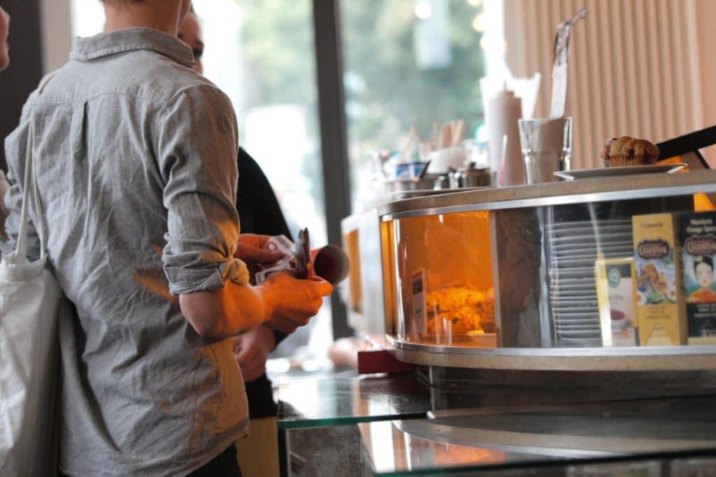 , 325.000 Minijobs im Gastgewerbe während Lockdown weggebrochen, City-News.de