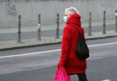 Raub Düsseldorf, Düsseldorf: 24-jähriger Gassigänger mit Messer bedroht und ausgeraubt – Täter erbeuten Handy und Geldbörse, City-News.de, City-News.de