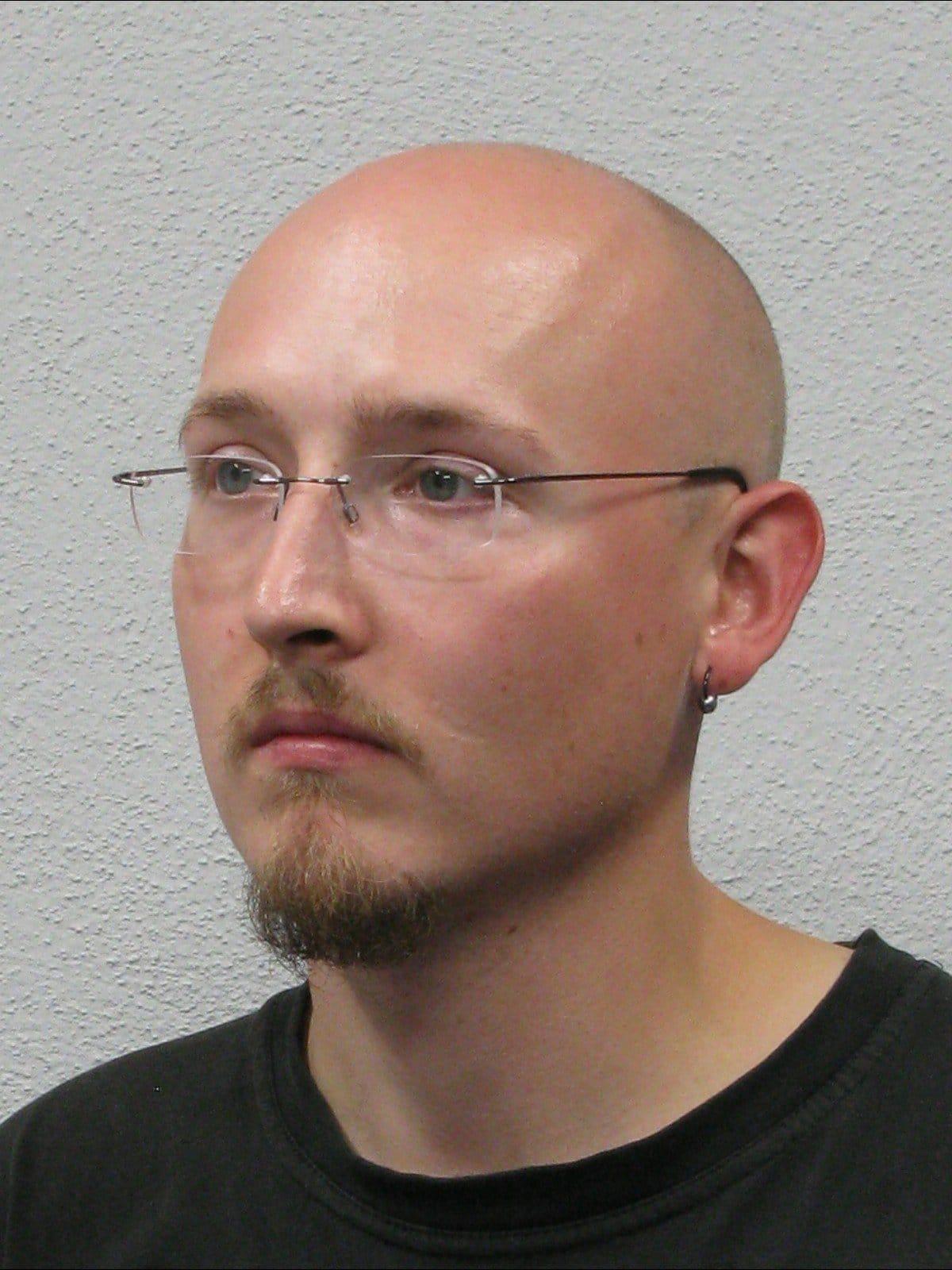 "fahndung Oppenau, Öffentlichkeitsfahndung – Mann entwaffnet Polizisten und flüchtet – ""War ein extrem seltsamer Mensch"", City-News.de"