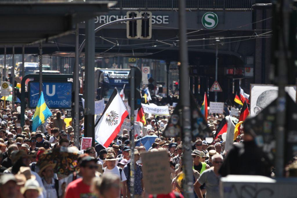 , Tausende bei Demo von Corona-Skeptikern in Berlin, City-News.de
