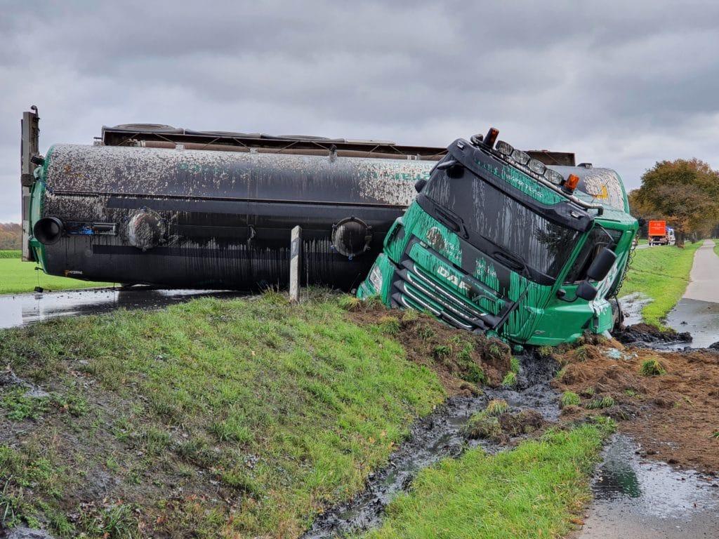 lkw unfall, +++ Verkehrsunfall mit Tankauflieger +++, City-News.de