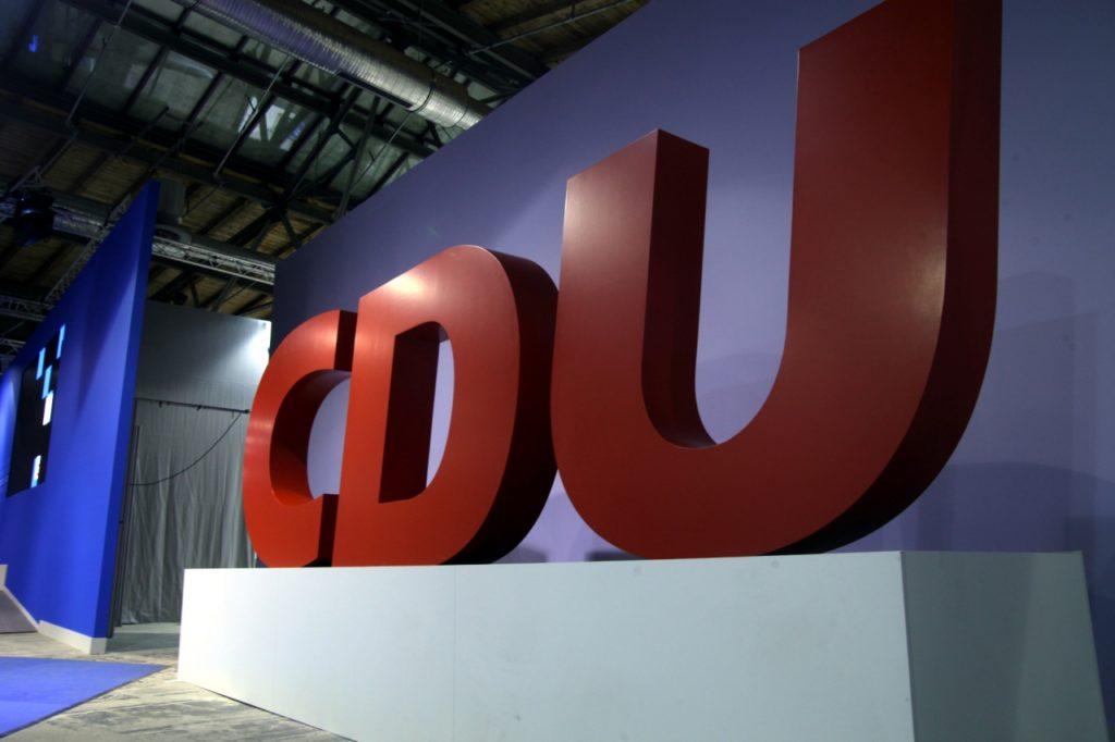 , Umfrage: Führungsspitzen gespalten über CDU-Vorsitz, City-News.de