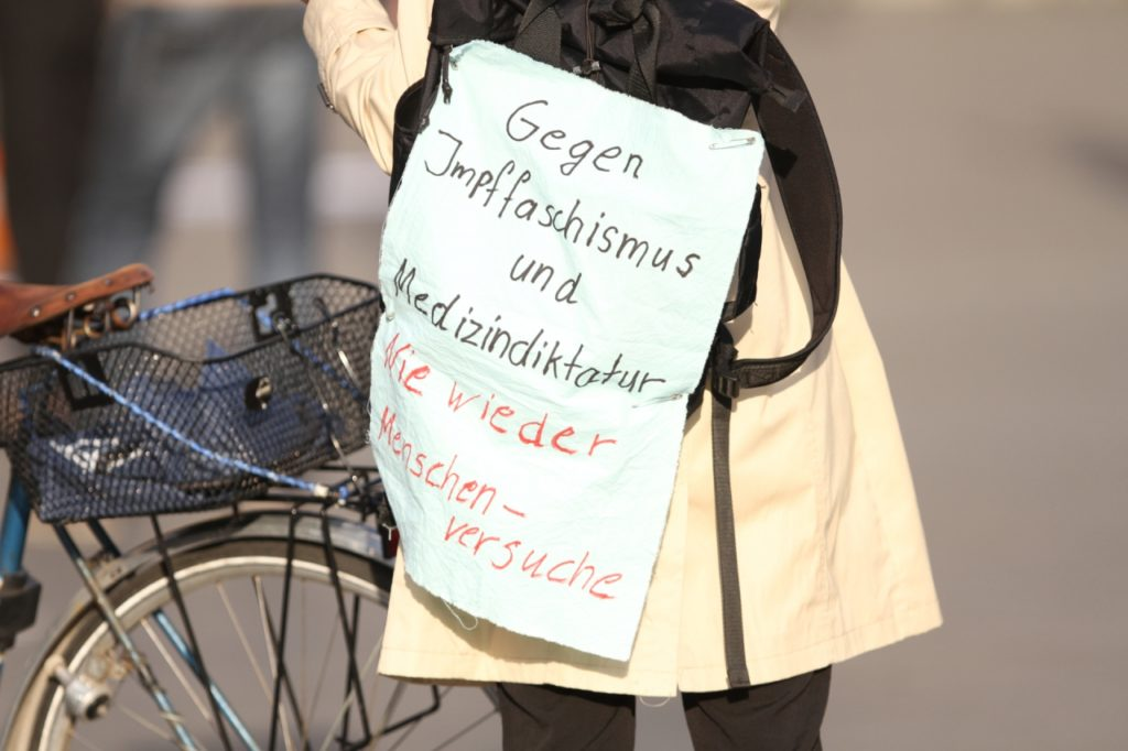 , Allein in Baden-Württemberg über 700 Demos gegen Corona-Maßnahmen, City-News.de