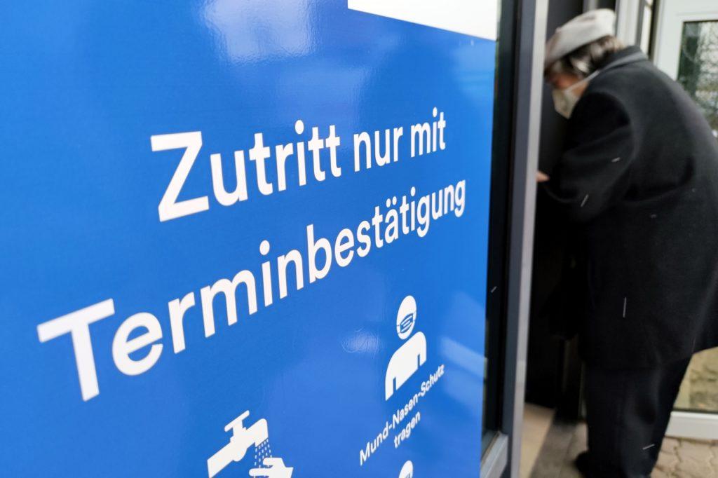 , Paul-Ehrlich-Institut verteidigt Astrazeneca-Impfstoff, City-News.de