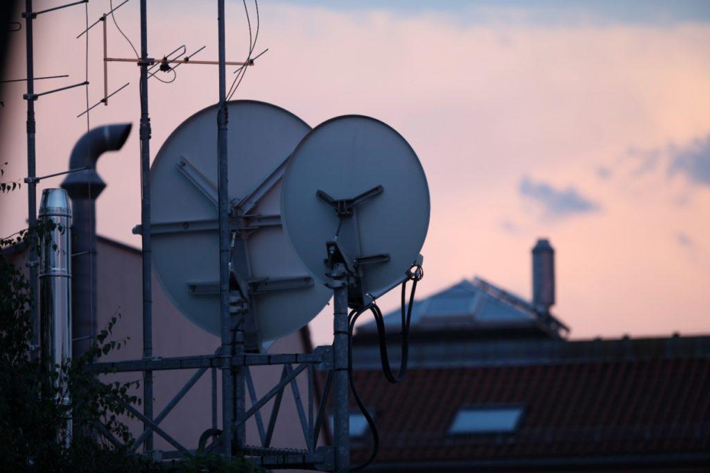 , Scheuer für Satellitenanschluss-Gutschein bei schlechtem Internet, City-News.de