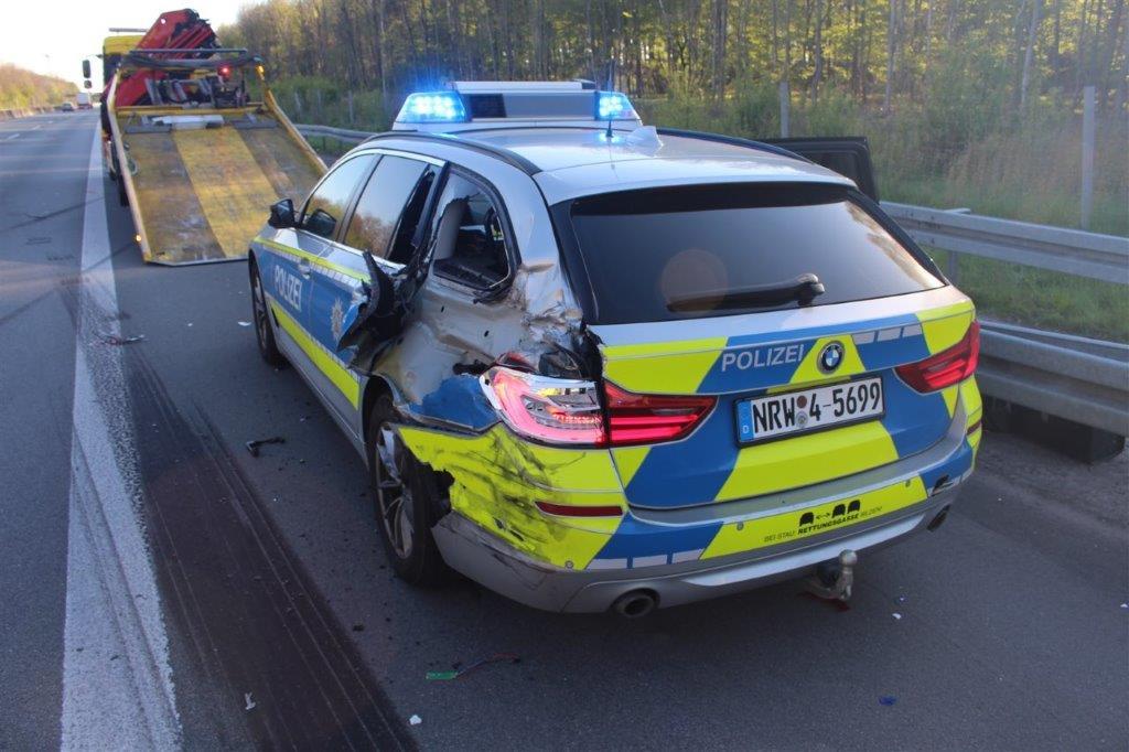 polizeiwagen gerammt, Streifenwagen auf der A 31 gerammt – Polizisten unverletzt – mehrere zehntausend Euro Sachschaden, City-News.de