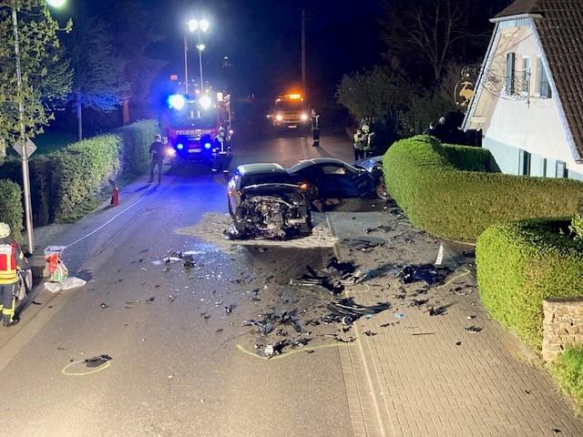 Verkehrsunfall Vettelhoven, Verkehrsunfall mit hohem Sachschaden – Zeugen gesucht, City-News.de