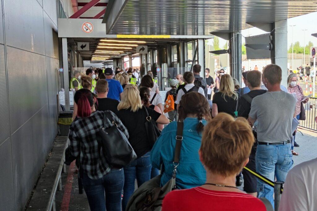, Deutsche fühlen sich bei Corona-Impfungen gerecht behandelt, City-News.de