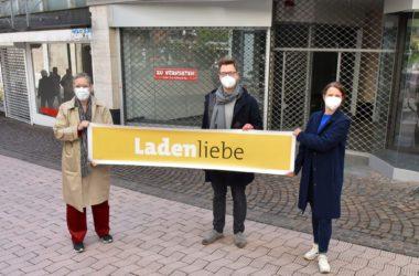 """Oberbürgermeisterin Sibylle Keupen, Citymanager Kai Hennes und Citymanagerin Dr. Daniela Karow-Kluge freuen sich auf die """"Initiative Ladenliebe""""."""