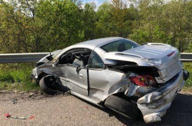 Peugeot Cabrio Unfall auf Autobahn