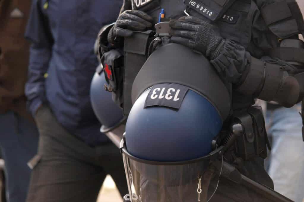 , Polizei warnt vor Krawallen zur Fußball-Europameisterschaft, City-News.de