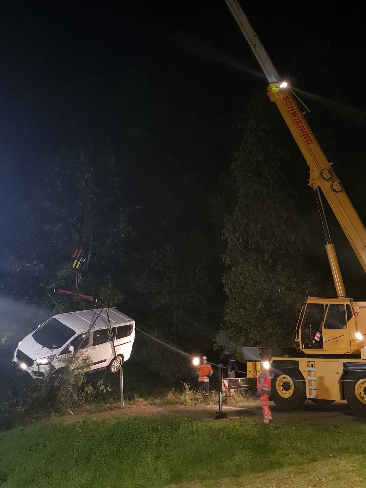 Schwarmstedt, Schwarmstedt: Fahrzeug rollt in Leinehafen, City-News.de