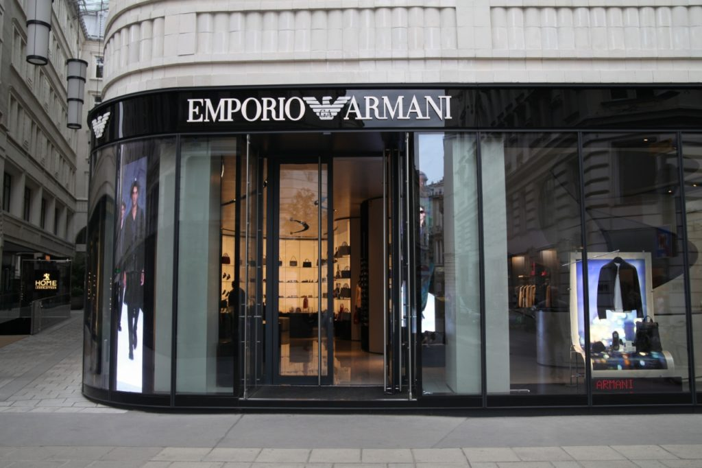 , Giorgio Armani mag Mode-Stil von Angela Merkel, City-News.de