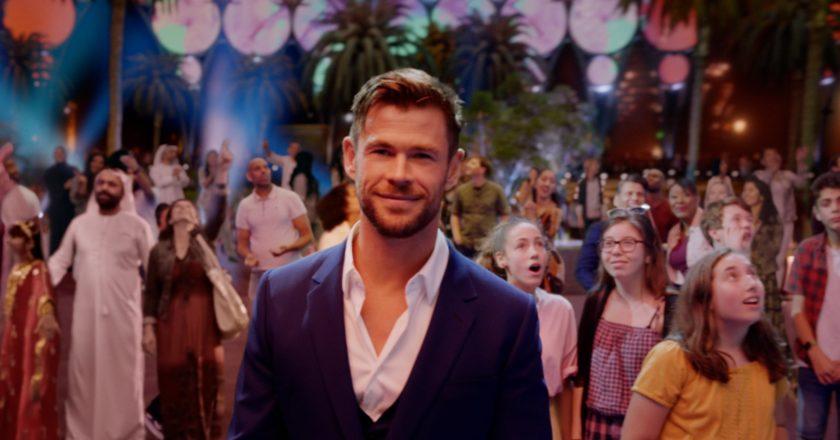 Emirates und Chris Hemsworth laden zur Expo 2020 Dubai mit neuer Kampagne ein